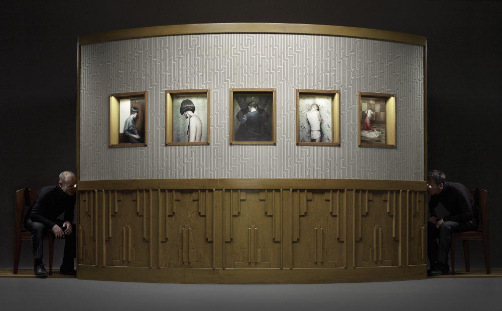 Keyhole Installation (2012), Installation mit Fotografie und Video, ca. 250 x 500 x 200 cm, Ed. 3