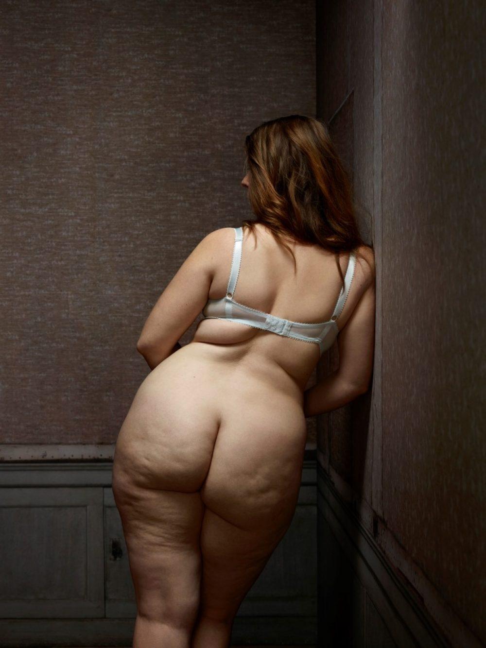 Skin Deep: Female Nude No. 16 (2015), archival print, 130 x 100 cm, Ed. 7, und 80 x 60 cm, Ed. 10