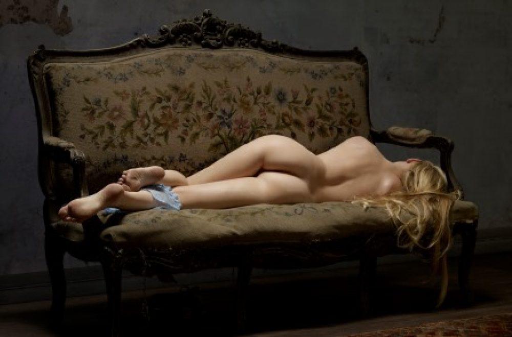 Skin Deep: Reclining Nude No. 7 (2015), archival print, 100 x 150 cm, Ed. 7, und 60 x 80 cm, Ed. 10