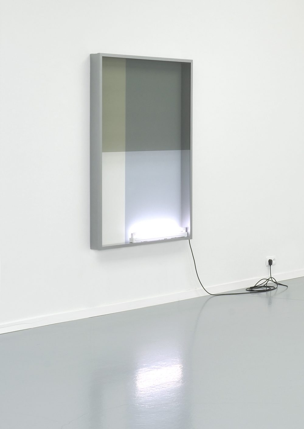Untitled (242), series Reflecting View (2017), lightbox, wall paint, 152 x 102 x10,5 cm