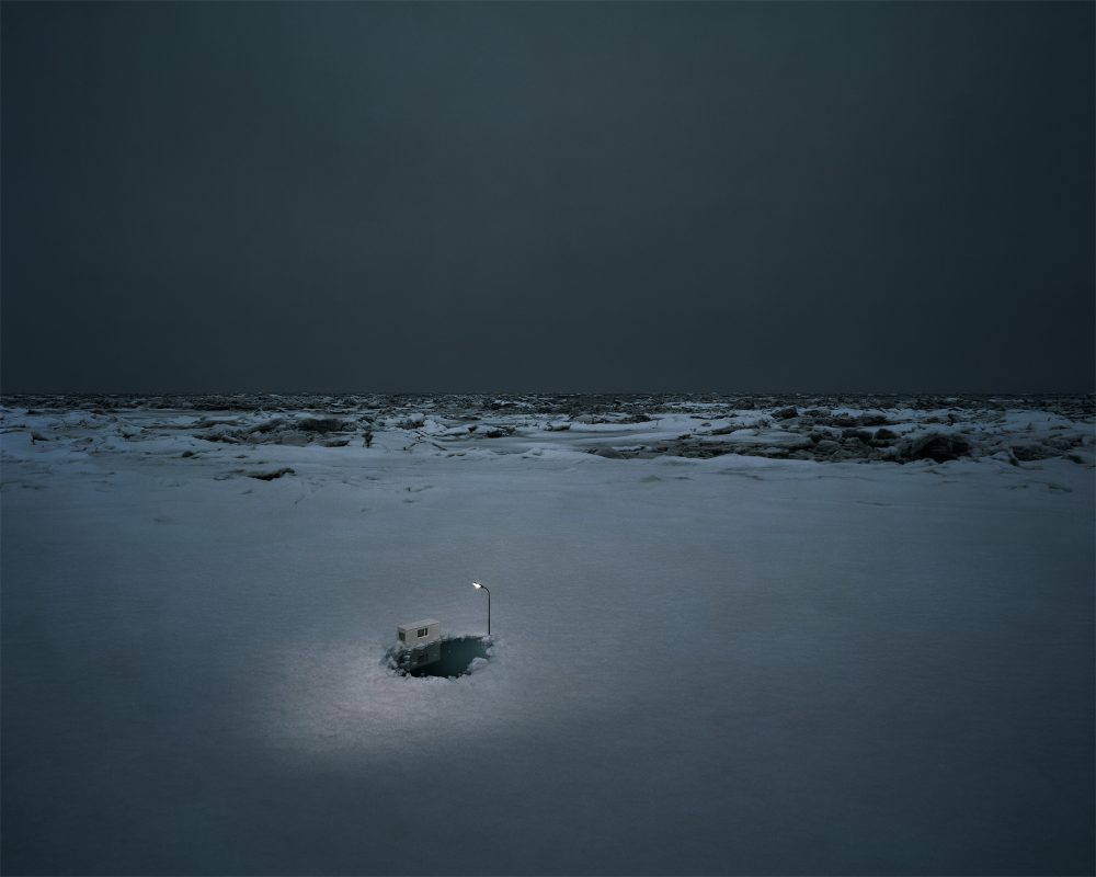 Ice Hole (2010), Lamba Print/Diasec, 140 x 180 cm, Ed. 5 und 95 x 120 cm, Ed. 7