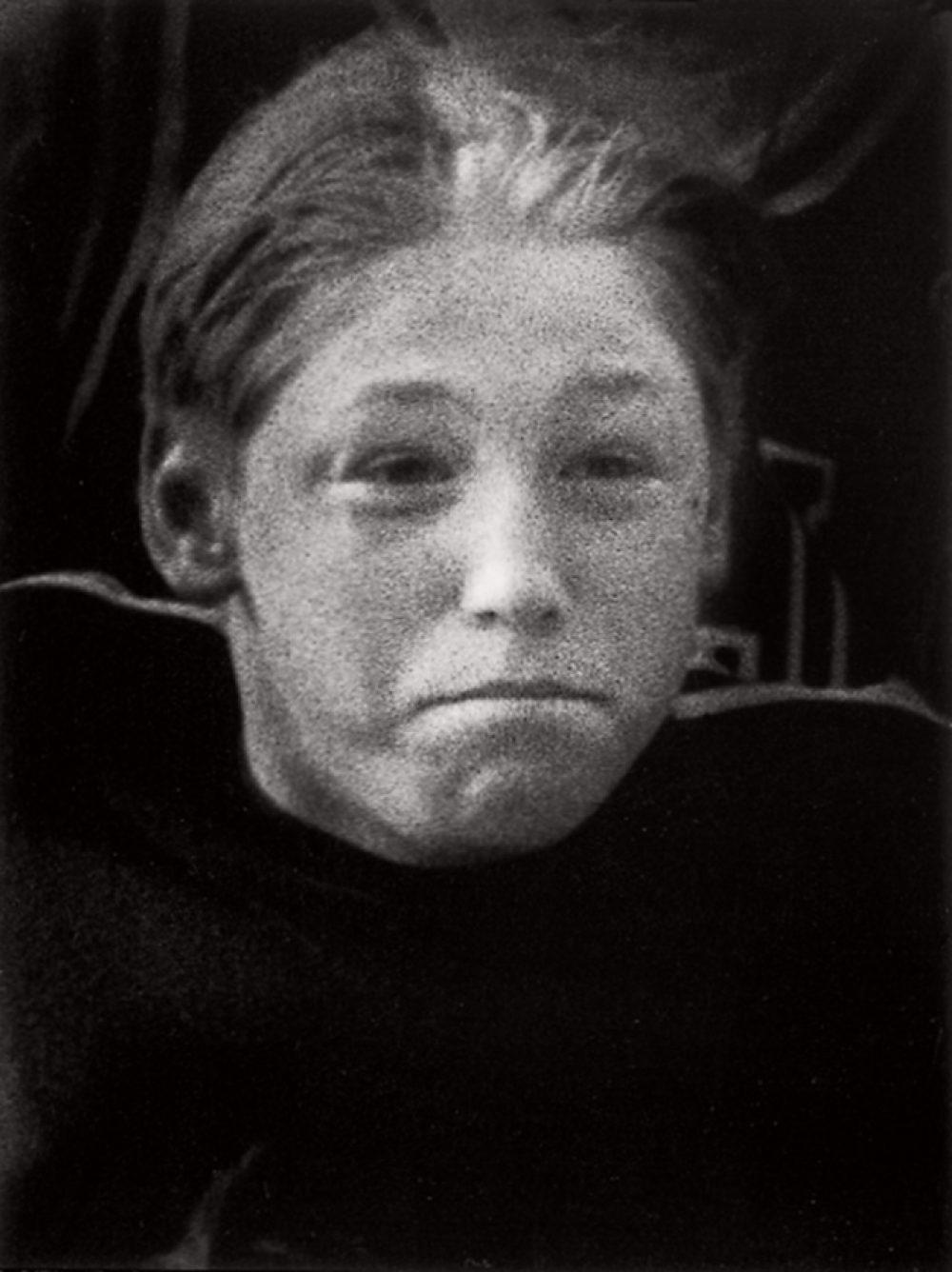 Thomas Wrede, Magic Feelings Nr. 21 (1997), silver gelatine print, 11,5 x 8,5 cm (framed: 43 x 35 cm)